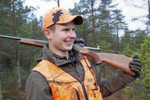 """""""Younger hunters prefer game birds to elk,"""" says Perttu Valonen, who keeps in touch with other young hunters over a WhatsApp group. According to the Finnish Wildlife Agency, the average age of elk-hunters is over 50 years. Photo: Anna Kauppi"""