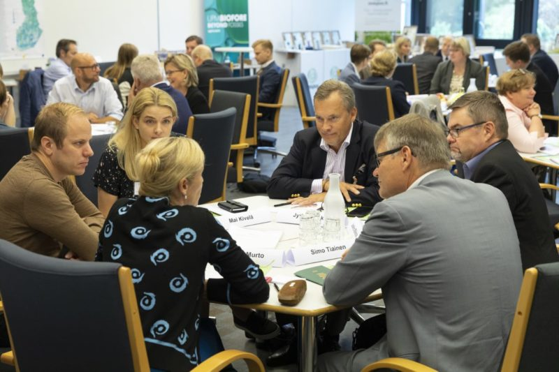 The Forest Academy for Decision-Makers promotes interaction between the forest sector and influential people from other sectors. Photo: Erkki Oksanen